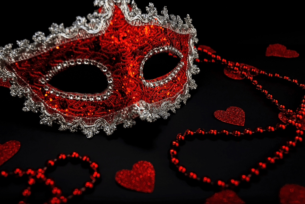 Masquerade ball New Year's party theme